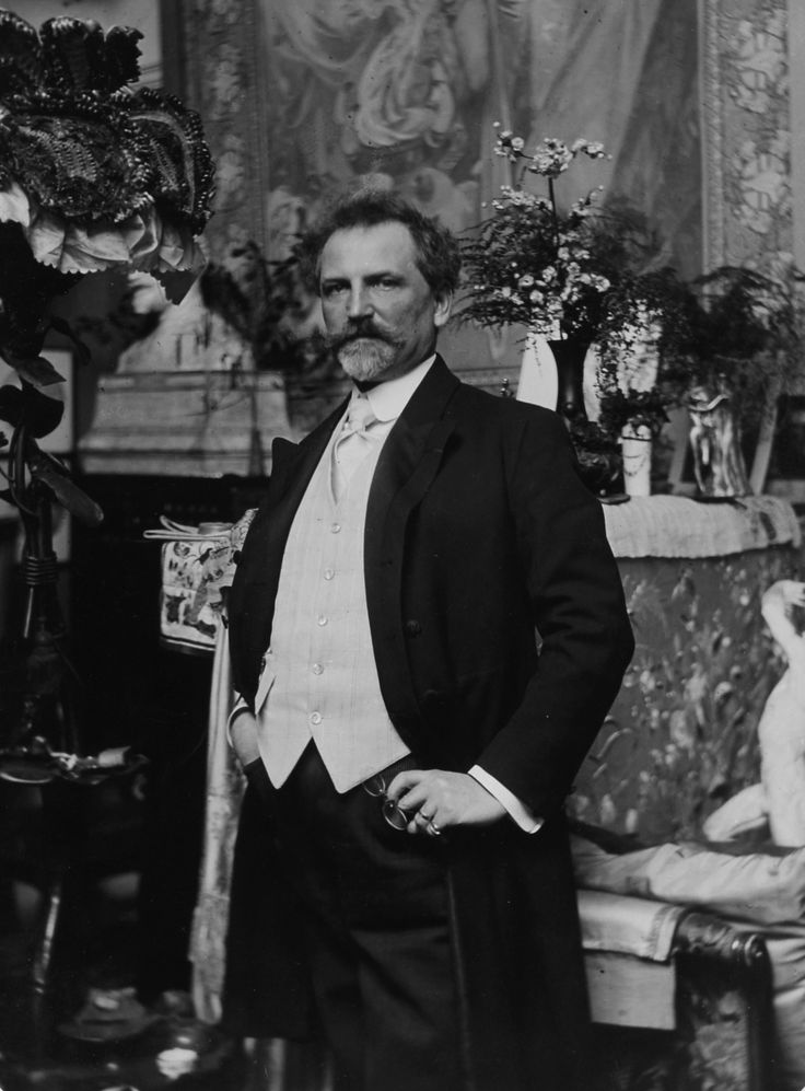 Alfons Maria Mucha (Ivančice 24.7.1860–Praha 14.7.1939) often known in English and French as Alphonse Mucha, was a Czech Art Nouveau painter and decorative artist, know best for his distinct style. He produced many paintings, ilustrations, advertisements, postcards and designs.