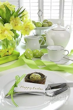 green and yellow accents for Easter table setting. Very elegant.