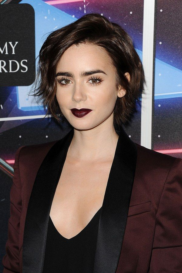 October 2015 The eternal It Girl makes a convincing case for dark berry lipstick and unfussy waves. And her brows? On point, as per usual.