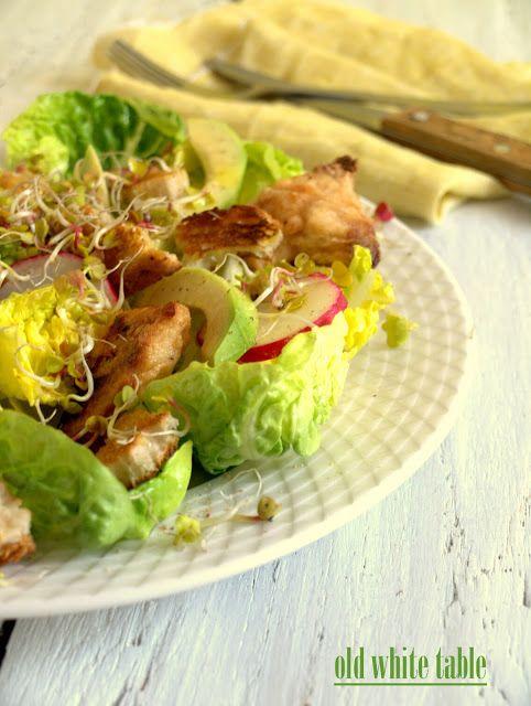 Sałatka z wokado z kurczakiem