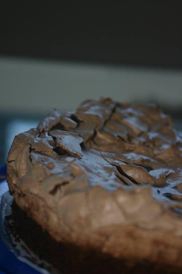 Bolo Brownie com cobertura de Merengue