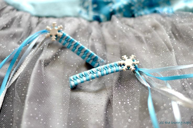 {Tutorial} FROZEN Inspired 80s Style Ribbon Barrettes - As The Bunny Hops #client
