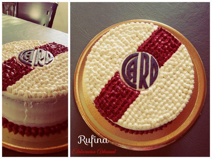 Torta River Plate,Mousse de Chocolate Blanco,logo comestible realizado con Pasta Anastasia.