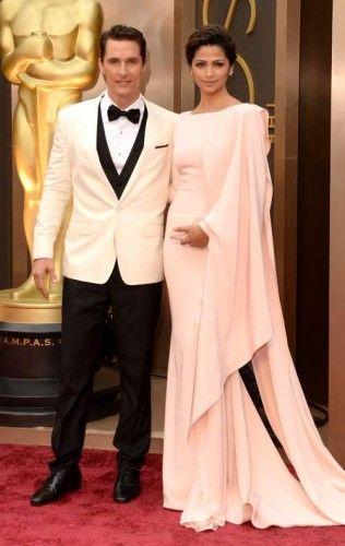 Matthew McConaughey: Φορώντας tuxedo από τους Dolce & Gabbana και ρολόι Chopard, ανυπομονεί να ακούσει το όνομά του στην κατηγορία του Α' Ανδρικού Ρόλου. #oscars