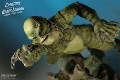 Sideshow Toys The Creature From the Black Lagoon Premium Format Color Version