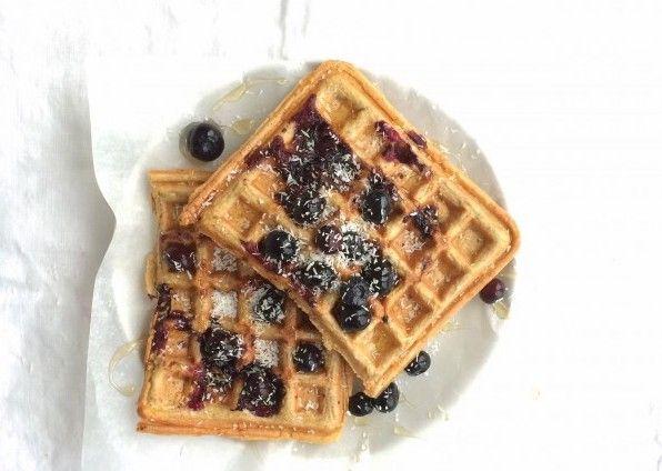 Ben jij een liefhebber van uitgebreide ontbijtjes? Dan moet je zeker eens ontbijten met zelfgemaakte, gezondere wafels van meel, havermout of groente!