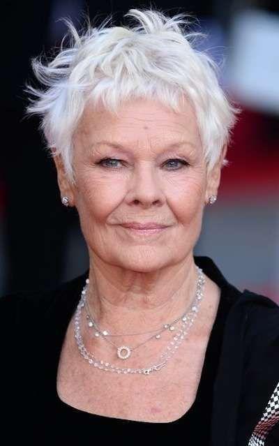 Tagli di capelli per donne mature , Capelli corti spettinati per Judy Dench