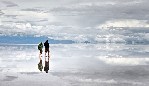 Salar de Uyuni: One of the World's Largest Mirrors: Mirror, The Salar De Uyuni, World Largest, Salts Flats, Worlds Largest, Places, Bolivia, Travel Destinations, The World