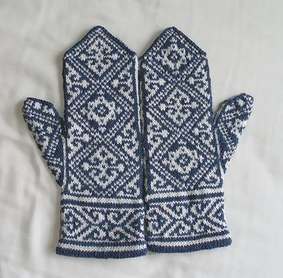 Site with several free patterns - including hearts and a pair of zebra mittens!