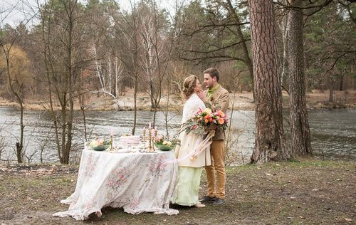 Bride | Wedding Planning, Ideas & Etiquette | Bridal wreath | Wedding photo| Wedding dress | Wedding photoshoot | Groom | Idea of wed photo | Perfect couple | Wedding day
