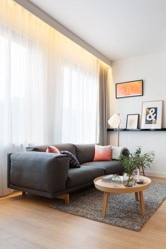 Todo mobiliário do Loft Zoku é da marca dinamarquesa Muuto, mas caso queira, o locatário pode adicionar um toque pessoal à ambientação, escolhendo os quadros para decorar as paredes