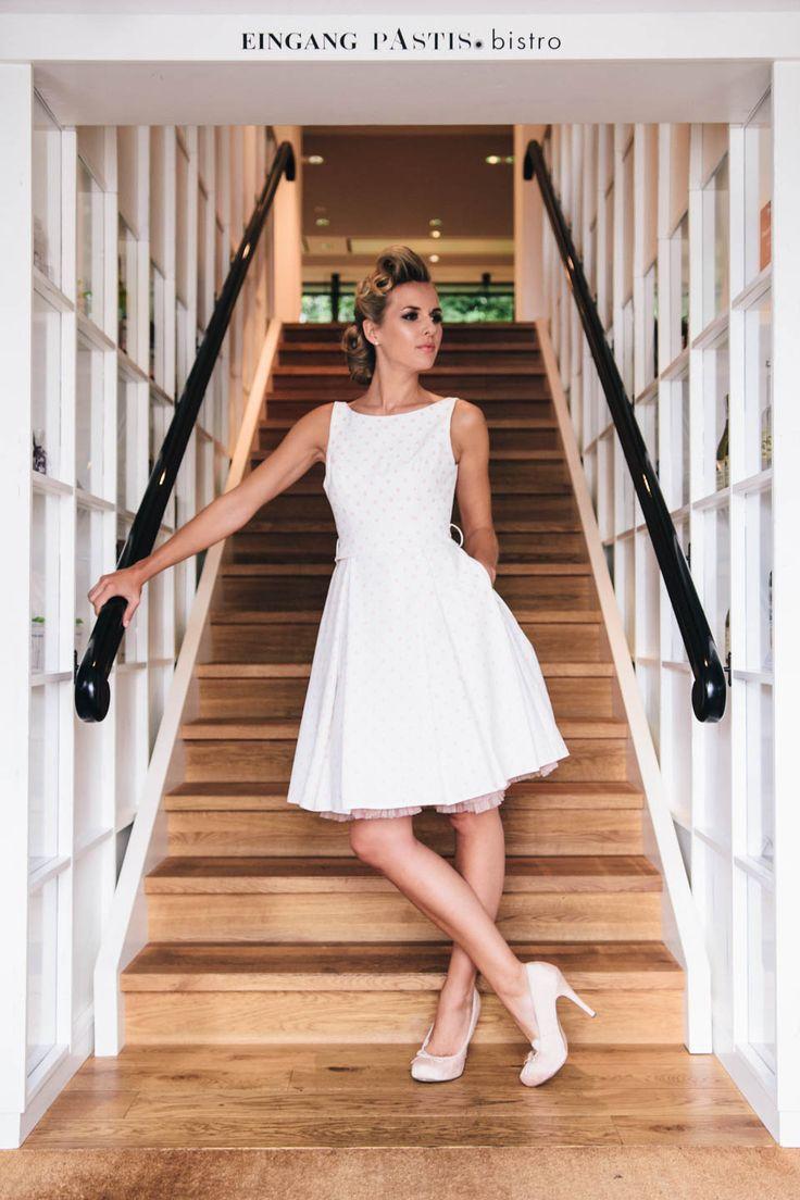 Rockabilly Hochzeitskleidmit Power-Tupfen – mit unserer Poppy hinterlässt du definitiv bleibenden Eindruck! ;-)