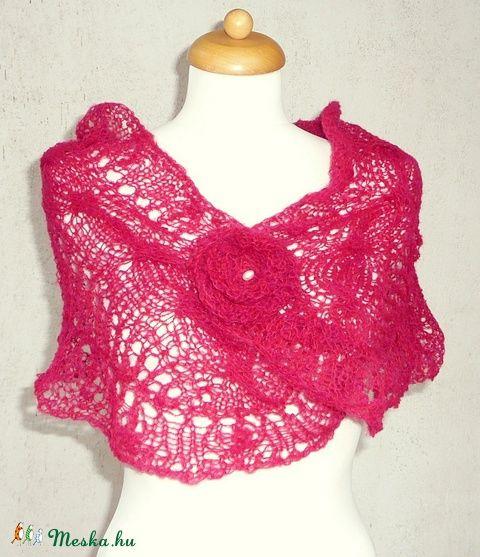 Pink kendő, kötött rózsával (kepibag) - Meska.hu