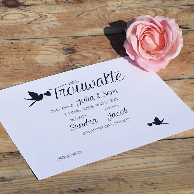 Steeds meer bruidsparen trouwen in het bijzijn van hun kinderen. Tijdens de trouwceremonie kunnen kinderen een belangrijke rol vervullen door het ondertekenen van hun eigen gepersonaliseerde kindertrouwakte!