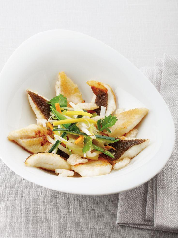 Groenten in de wok met tongschar http://njam.tv/recepten/groenten-de-wok-met-tongschar