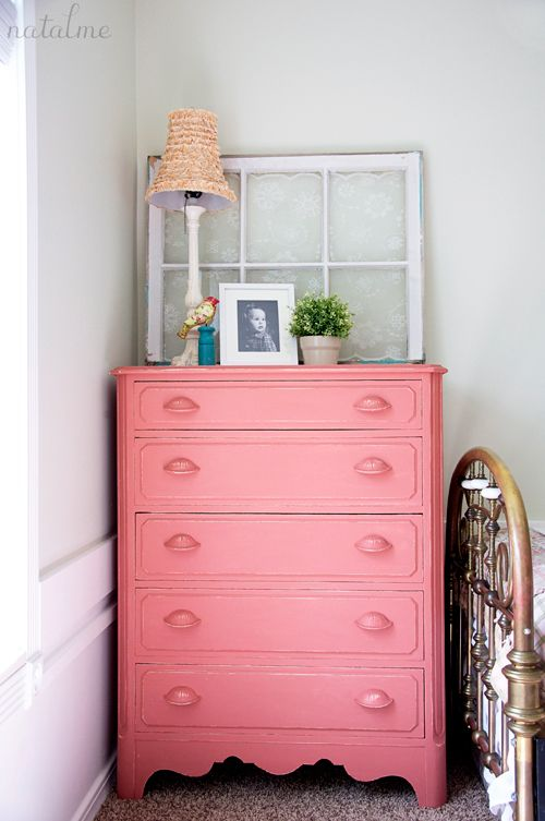 Natalie of Natalme shares how she refinished her nostalgic childhood dresser into a fabulous piece for her daughter using Scandinavian Pink Chalk Paint® decorative paint by Annie Sloan!