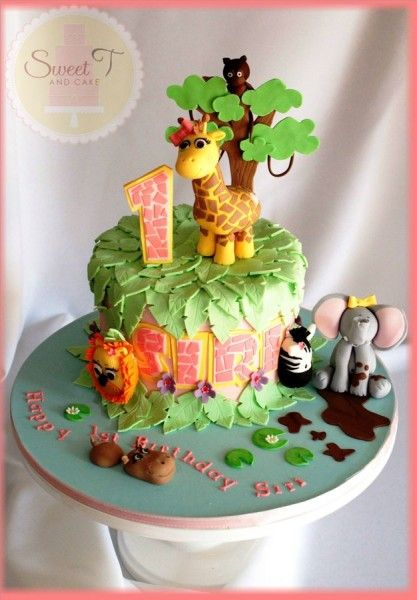 Another cute cake. Think I'll do one like this and make some cupcakes.