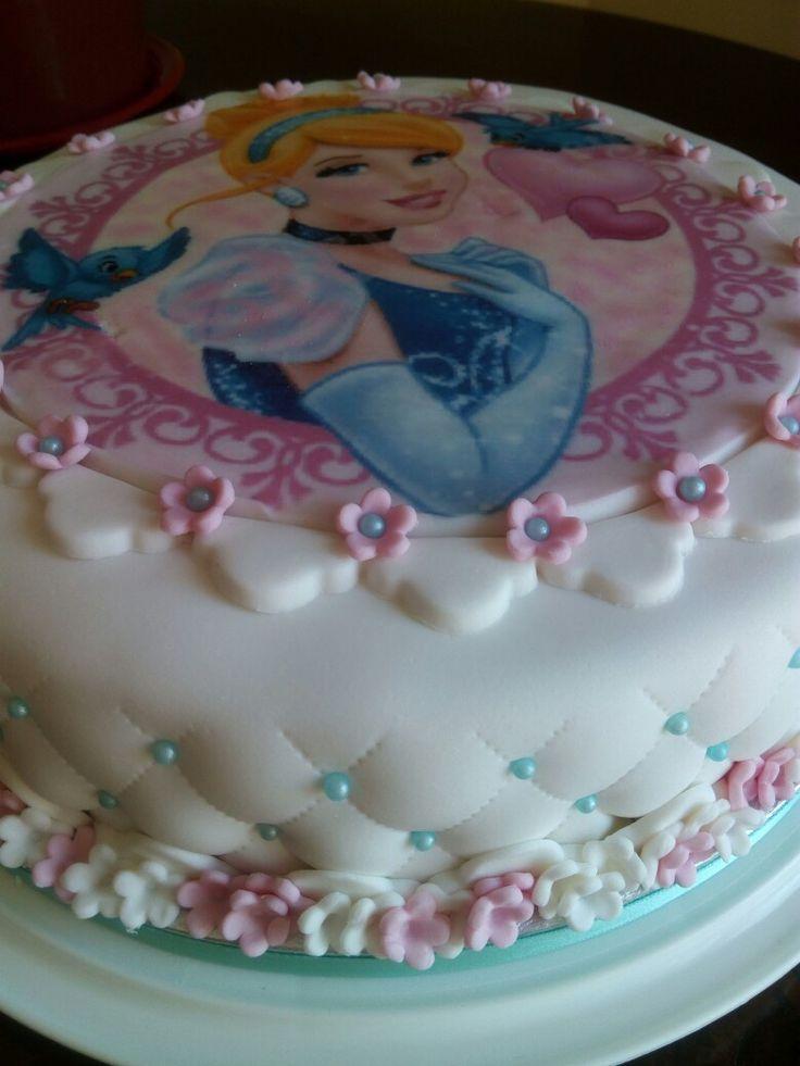 Cinderella fondant cake. Torta Cenerentola in pdz