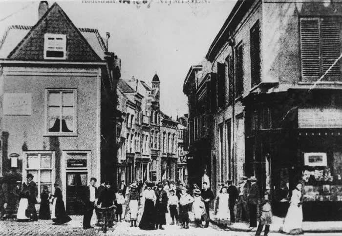 Hoek Houtstraat Oude Varkensmarkt, 1887 - foto Archief Nijmegen