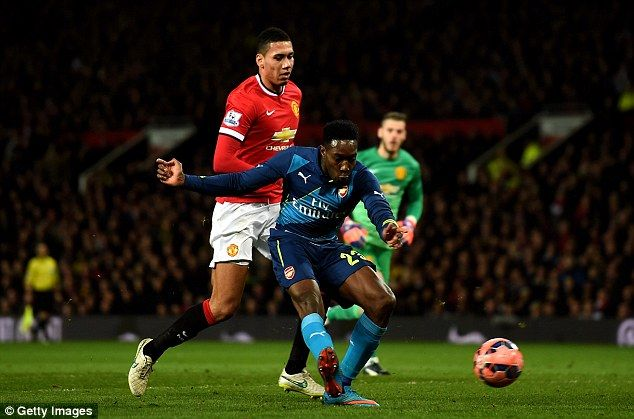 Danny Welbeck rounded David De Gea to score Arsenal's winner against Manchester United