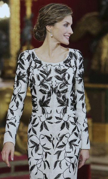 Queen Letizia of Spain Photos Photos - Queen Letizia of Spain attends the National Day reception at the Royal Palace on October 12, 2016 in Madrid, Spain. - Spanish Royals Attend the National Day Military Parade
