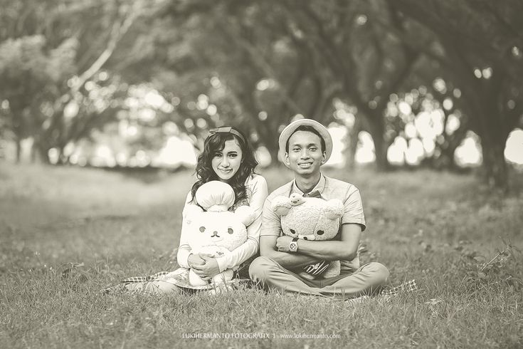 #Prewedding #PreweddingSurabaya #PreweddingVintage #Surabaya by #LUKIHERMANTO #SurabayaWeddingPhotographer