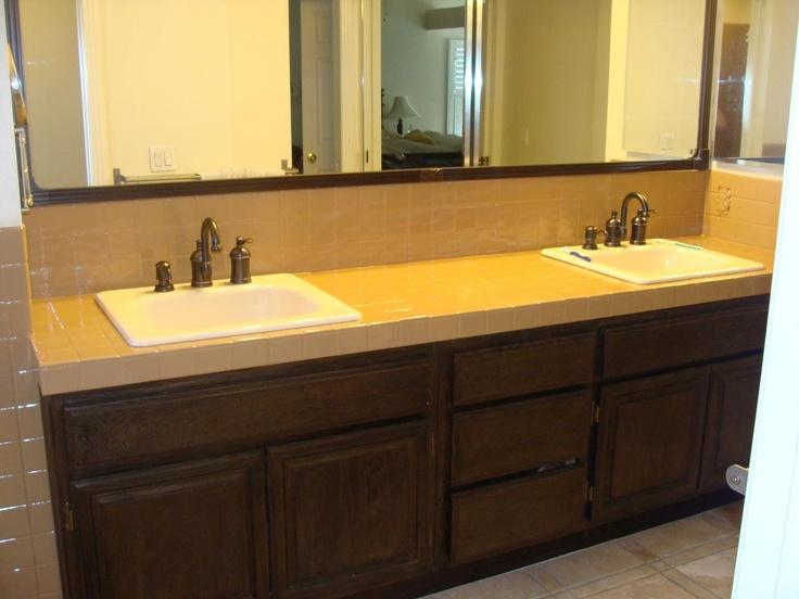 PKB Reglazing : Worn Tile Bathroom Countertop (After) Reglazed Latte