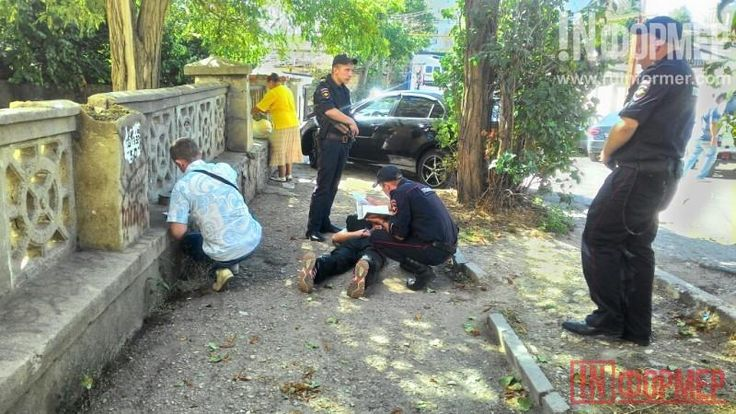 Севастопольские преступники не прошли и 500 метров   http://ruinformer.com/page/sevastopolskie-prestupniki-ne-proshli-i-500-metrov  Что такое «горячие следы» доподлинно неизвестно, но, возможно, это моменты, когда «горит» земля под ногами преступников. Именно так сегодняшним утром и были задержаны двое воришек–неудачников.Приблизительно около 9 утра парочка приятелей–клептомановпохитили ноутбук из аптеки «Магус»,расположенной на улице Генерала Петрова, 17 (пересечение с улицей Щербака)…