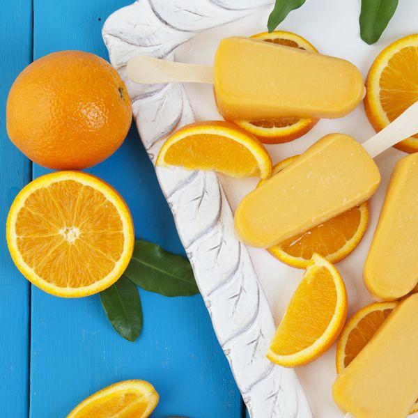 Vanilla-Orange Creamsicle Pops (Dairy-Free). Super easy, super tasty.