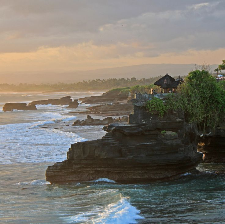 Pura Batu Balong next to Tanah Lot Bali Indonesia #sunset #skyporn #temple #pura #hindu #hinduism #bali #igersbali #ulimitedbali #balidaily #balilife #indonesia #wonderfulindonesia