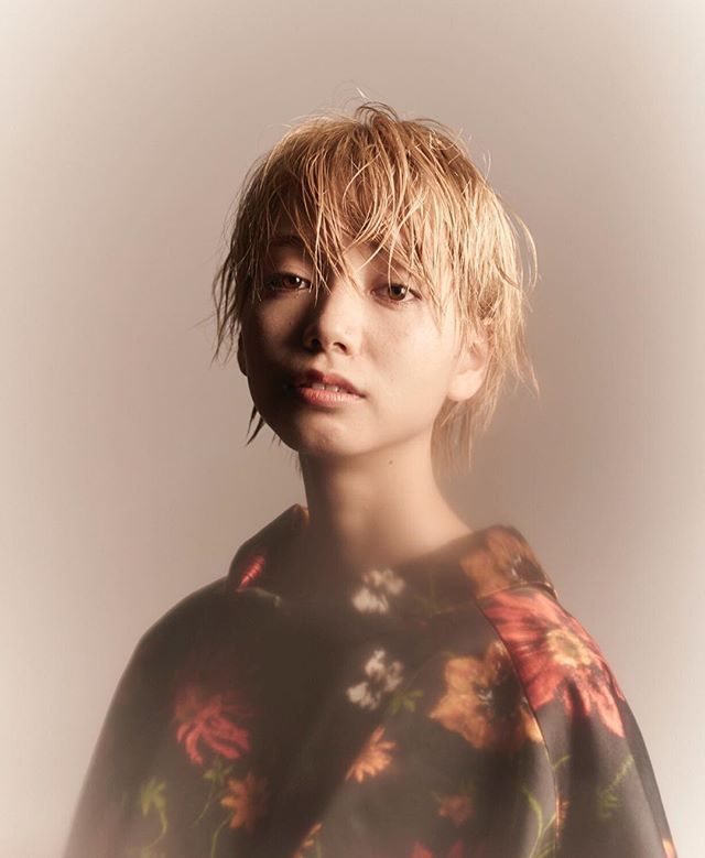 ウェットな質感で動きがあるスタイル◎ スタイリング剤は#Vaselineです! キレイになりましょう! hair...@yudaikoshino model...sahominakanishi #オブヘア20160515#オブヘア宮崎台店#hair#ショート#アイロン #簡単スタイリング #ファッション#イルミナカラー#オシャレ#ストリート#street#lol#love#mery#locari