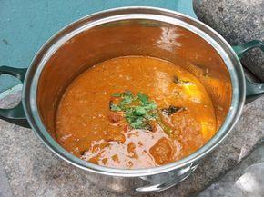 மட்டன் குழம்பு / Mutton Kulambu / Mutton Gravy / Lamb Cooked in a Spicy Gravy