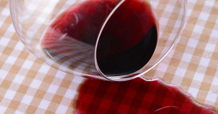 #joptimisme Si vous venez de vous tâcher avec du vin rouge, ne paniquez pas et suivez ces astuces. Pour une tâche encore humide : versez du vin blanc sur la tâche et épongez avec une feuille d'essuie-tout. Si vous n'avez pas de vin blanc sous la main, épongez la tâche avec une feuille d'essuie-tout, tamponnez-la avec une éponge imbibée d'eau gazeuse et épongez jusqu'à ce que la tâche disparaisse. Si la tâche est plus ancienne ou résistante, diluez-la avec de l'eau tiède et tamponnez-la avec…
