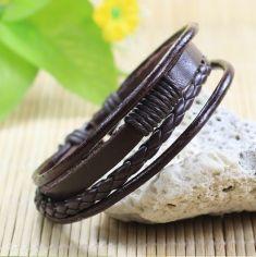 Bratara din piele maro cu fire textile negre