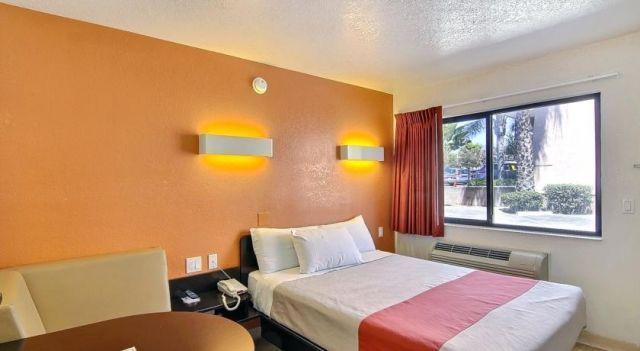 Motel 6 Santa Barbara-State - 2 Star #Motels - $70 - #Hotels #UnitedStatesofAmerica #SantaBarbara http://www.justigo.us/hotels/united-states-of-america/santa-barbara/motel-6-santa-barbara-state_92910.html