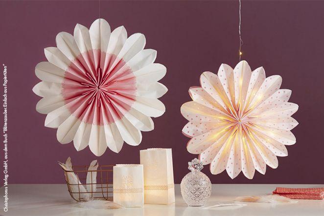 Wir zeigen dir, wie du aus Brottüten edle Papierdeko einfach selber machen kannst! Ob für dein Zuhause, den nächsten Geburtstag oder Grillparty - die prächtigen Blüten sind wunderbare Sommer-Hingucker.