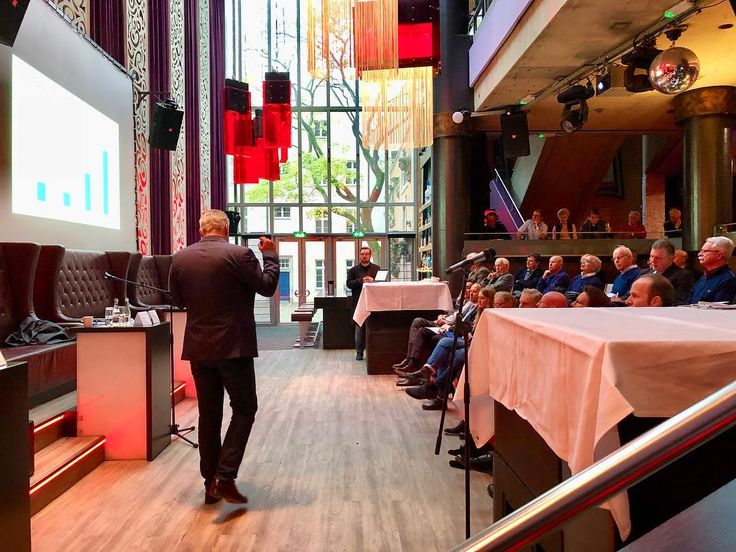 All eyes were on Mr. Julien Uhlig yesterday at the annual shareholders meeting for Entrade AG. It is inspiring to hear someone speak whos so passionate about what they do.  Its been a great year for Entrade heres for the next to come! #Entrade  #Germany #Düsseldorf #speech #Globalization #CleanTech #ChangingtheWorld #Global #Worldwide #Change #Arensis #RenewableEnergy #Renewables #Energy #CleanPower #Sustainability #MicroGrid #SmartGrid #EnvironmentFirst #HeroesOfCleanTech…