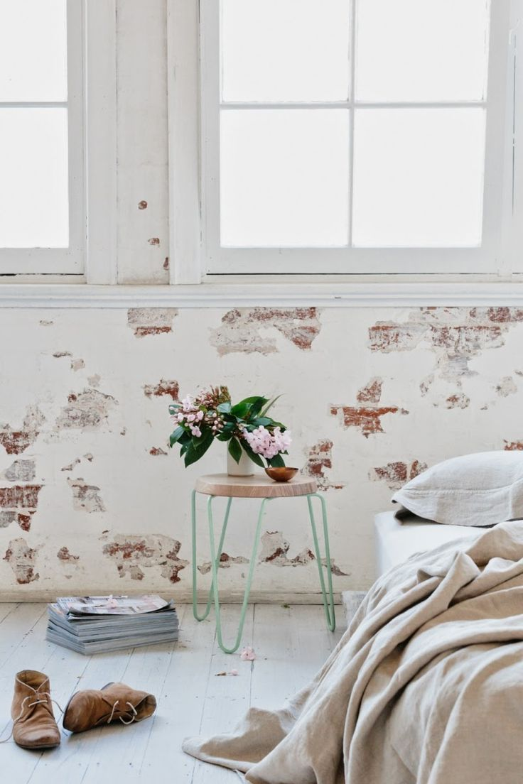#Bedroom with #patterned #walls // #Schlafzimmer mit #gemusterten #Wänden