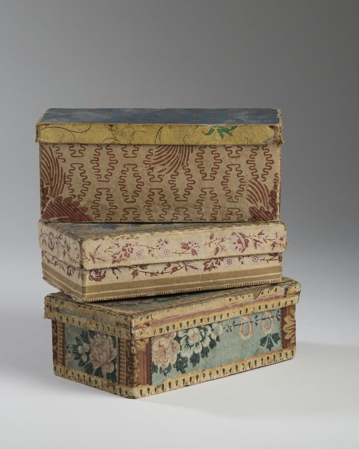 Antique wallpaper boxes~Image via North Bayshore Antiques