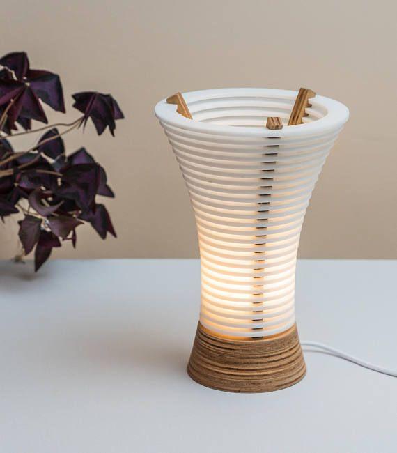 Lampada da tavolo a LED di boutique compensato e Plexiglas