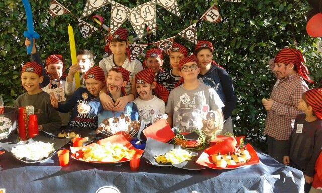 I pirati sono pronti....... buon compleanno Stefano......!!!   Il giardino del bar Tiffany è aperto per realizzare feste di compleanno.....!!!!
