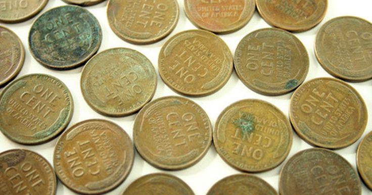 Como envelhecer uma moeda de cobre. Criar verdetes e pátinas em moedas de cobre é bem fácil de se fazer. Muitos colecionadores optam por criar esse pigmento esverdeado em sua moedas para que pareçam envelhecidas. Há diversos métodos para se conseguir esse efeito de pátina em cobre. Aqui você aprenderá dois métodos e ambos resultarão em lindos tons de pátina azul-esverdeada. É ...