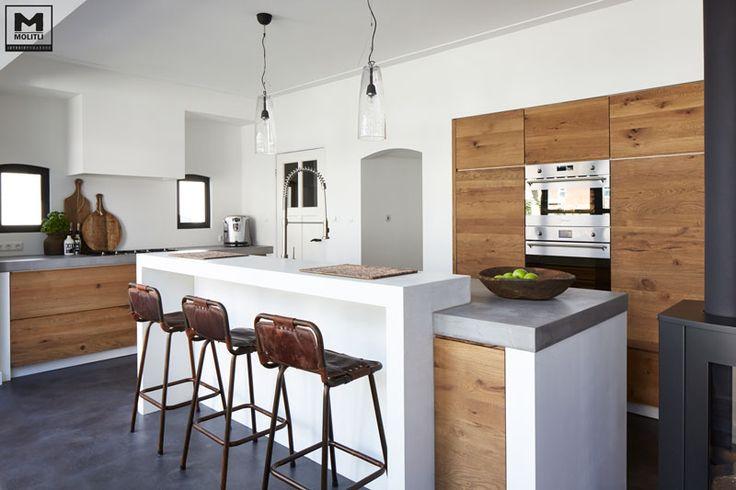 betonvloer met betonstuc en hout