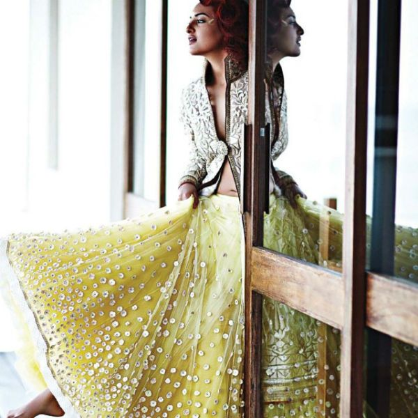 #SonakshiSinha is seen flaunting her sequinned lemon yellow lehenga and jacket by Tarun Tahiliani at the magazine cover shoot of Harper's bazaar