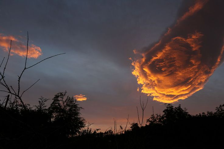 2016 Jan 29 unusual-cloud-formation-fist-hand-of-god-portugal-1 next right step blog