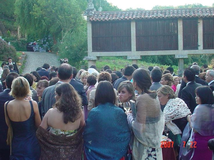 Tenemos muchos lugares para poder comenzar con el aperitivo en el jardín..solo tenéis que escoger el que más os guste.. #opinion #opiniones #bodas #galicia  #pazo #encanto #casa #rural #turismo #rural #boda #civiles #jardin #eventos #celebraciones #banquetes