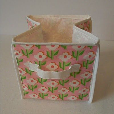 *Foldable* Fabric storage cubes!! via Obsessively Stitching: Storage Cube TUTORIAL, part two -- Binding!