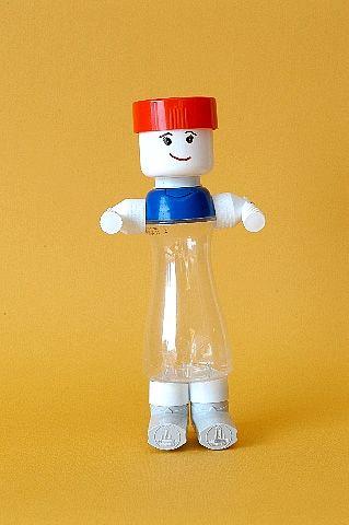 Juguetes a partir de materiales reciclados: humano
