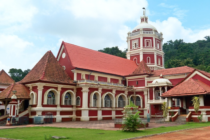 Situated 33 kms from Panjim, Shree Shantadurga temple has an idol of Goddess Shree Durga who mediated between Shree Vishnu and Shree Shiva to stop the fierce war going on between the two. Also famous for its golden palanquin. #CoxandKings