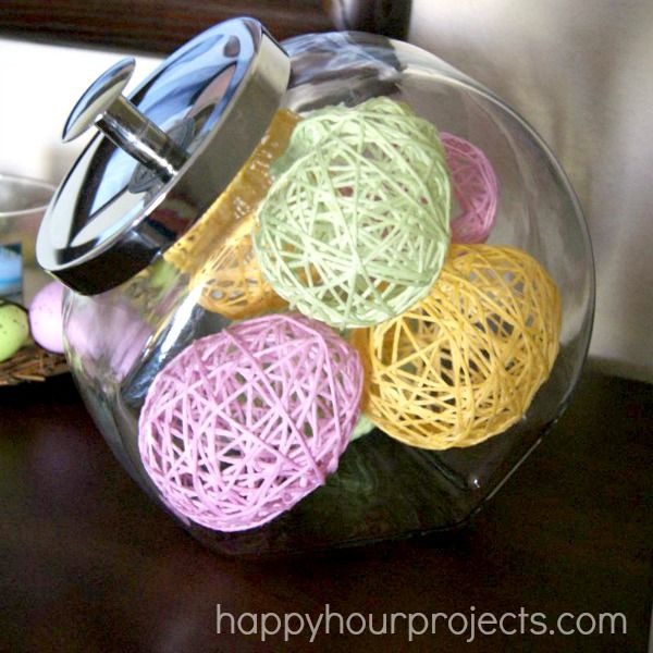 Easter Decor: Yarn-Wrapped Eggs